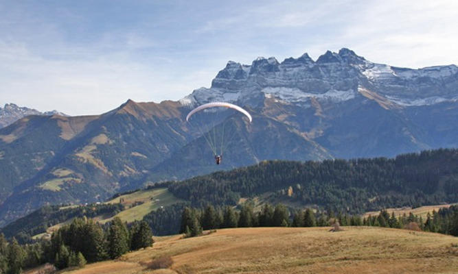 paragliding;summer;portes-du-soleil;mountain;switzerland